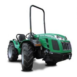 Tracteur FERRARI 35 cv - roues avant directionnelles - 4 roues motrices et égales
